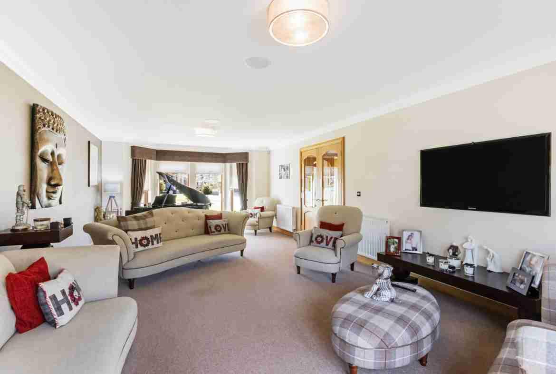 Albert Park Livingroom 2