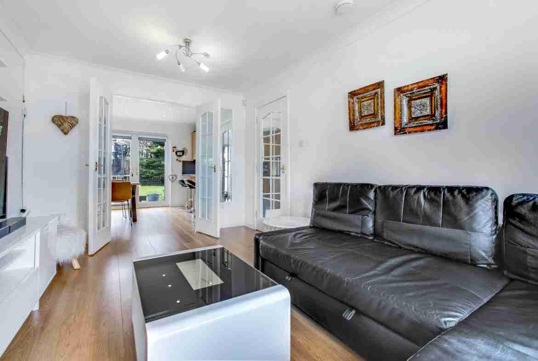 Elmpark Grove Livingroom