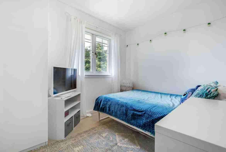 Elmpark Grove Bedroom 4