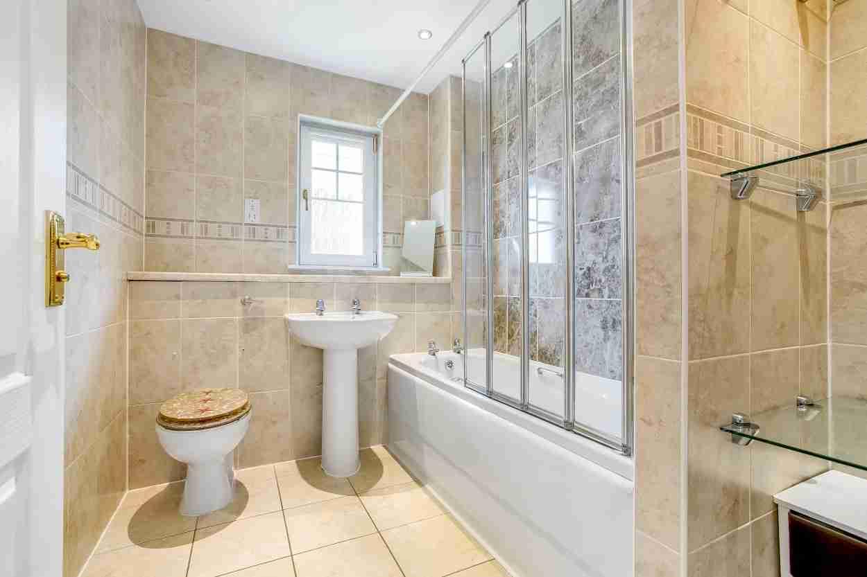 Elmpark Grove Bathroom