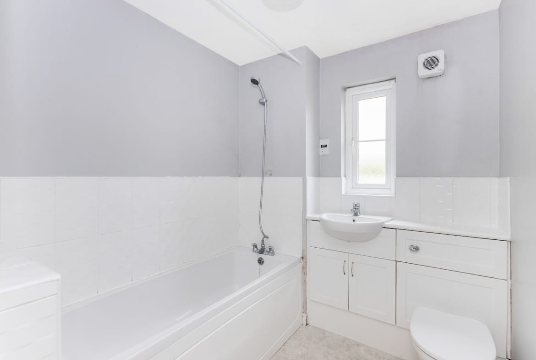 Bathroom Cairnwell Gardens