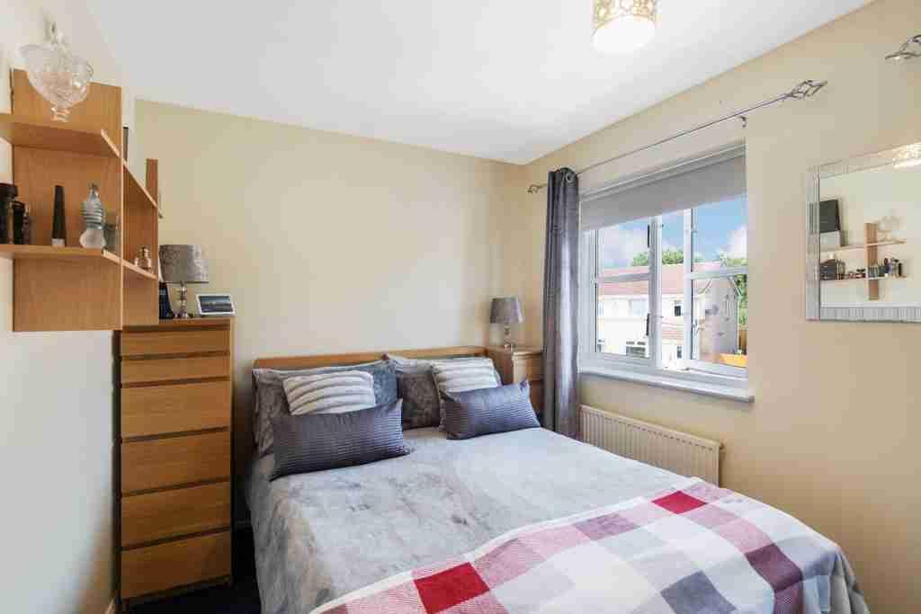 Murray Crescent Bedroom 1
