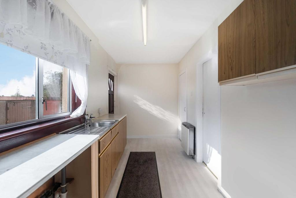 Milnwood Drive Bellshill Kitchen 2