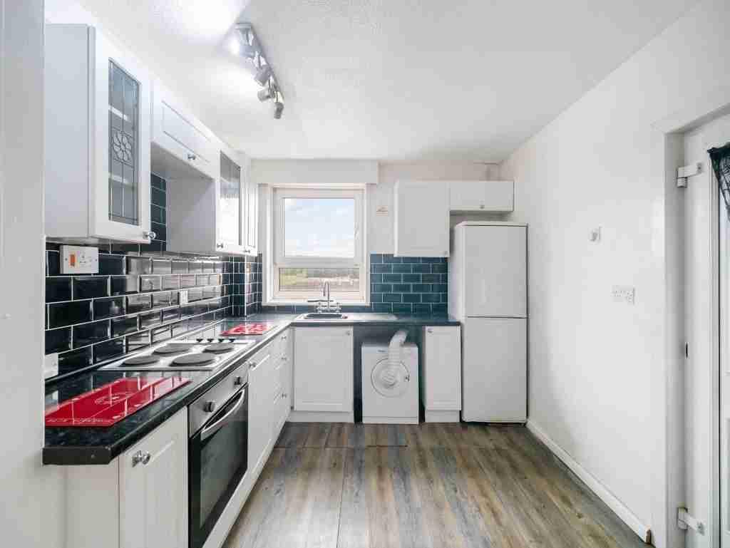 Moss Avenue Caldercruix Kitchen